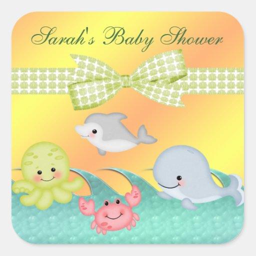Fiesta de bienvenida al bebé alegre de las criatur calcomanía cuadrada