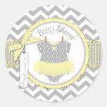 Fiesta de bienvenida al bebé amarilla de la etiqueta redonda