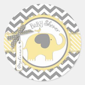Fiesta de bienvenida al bebé amarilla de la pegatina redonda