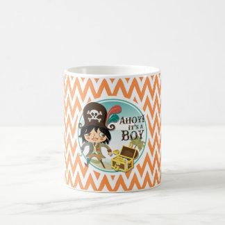 Fiesta de bienvenida al bebé anaranjada y blanca taza básica blanca