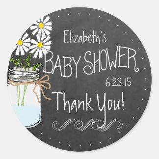 Fiesta de bienvenida al bebé blanca con las flores pegatina redonda