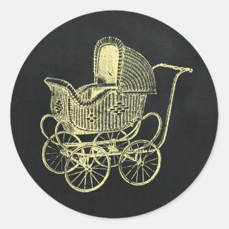 Fiesta de bienvenida al bebé del carro de bebé de pegatina redonda