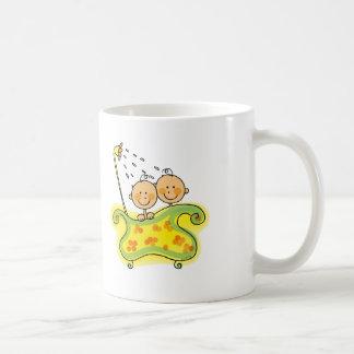 Fiesta de bienvenida al bebé (gemelos) taza