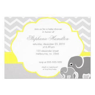 Fiesta de bienvenida al bebé gris del neutral del  invitacion personalizada