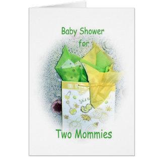 Fiesta de bienvenida al bebé para que dos mamás tarjeta de felicitación