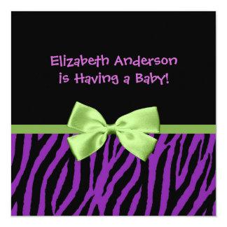 """Fiesta de bienvenida al bebé púrpura de moda del invitación 5.25"""" x 5.25"""""""