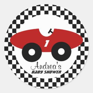 Fiesta de bienvenida al bebé roja del coche de etiqueta redonda