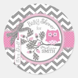 Fiesta de bienvenida al bebé rosada de la pegatina redonda