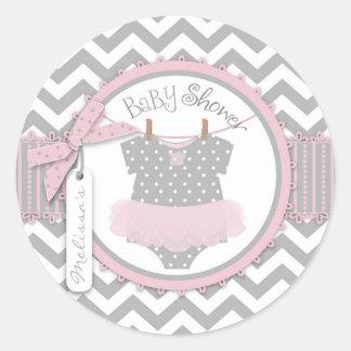 Fiesta de bienvenida al bebé rosada de la etiquetas redondas