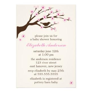Fiesta de bienvenida al bebé rosada de las flores invitación personalizada