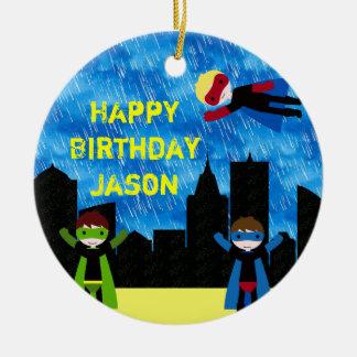 Fiesta de Bithday de los muchachos del superhéroe Ornamentos De Navidad