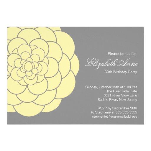 Fiesta de cumpleaños amarilla moderna de la florac invitaciones personales