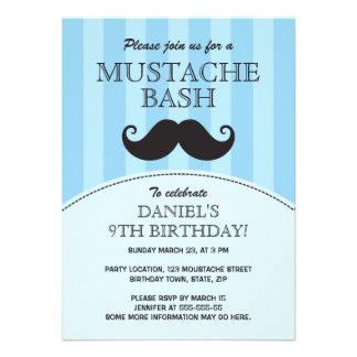 Fiesta de cumpleaños azul del golpe del bigote comunicados