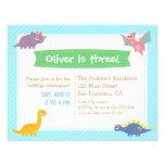 Fiesta de cumpleaños colorida linda del dinosaurio invitación personalizada