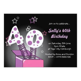 """Fiesta de cumpleaños de la caja de primavera 40.a invitación 5.5"""" x 7.5"""""""