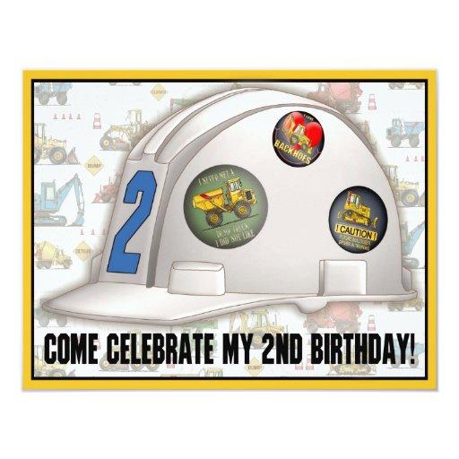 Fiesta de cumpleaños de la construcción del casco invitación 10,8 x 13,9 cm