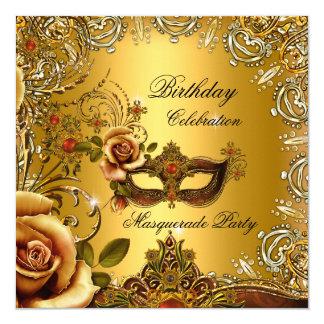 """Fiesta de cumpleaños de la máscara del oro de la invitación 5.25"""" x 5.25"""""""