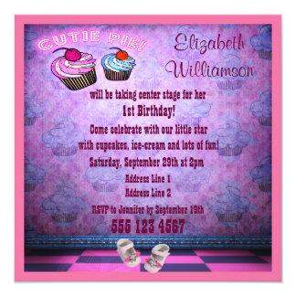 """Fiesta de cumpleaños de neón rosada de los zapatos invitación 5.25"""" x 5.25"""""""