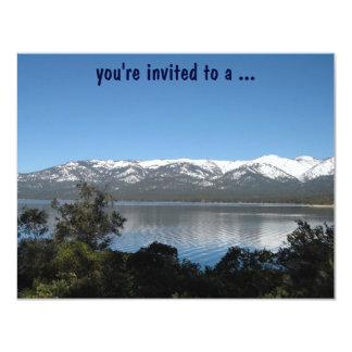 """¡Fiesta de cumpleaños del lago Tahoe! Invitación 4.25"""" X 5.5"""""""