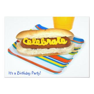 """Fiesta de cumpleaños del perrito caliente del invitación 5"""" x 7"""""""