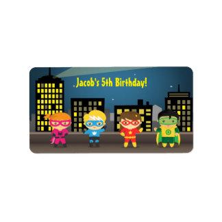 Fiesta de cumpleaños del super héroe del horizonte etiqueta de dirección