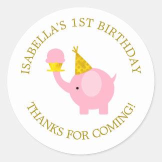 Fiesta de cumpleaños dulce del elefante rosado pegatina redonda