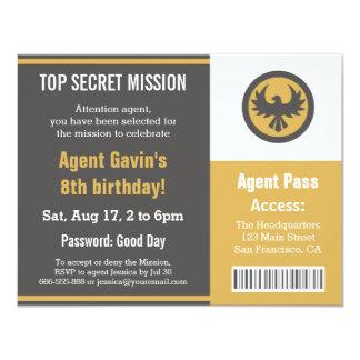 """Fiesta de cumpleaños fresca del agente secreto invitación 4.25"""" x 5.5"""""""