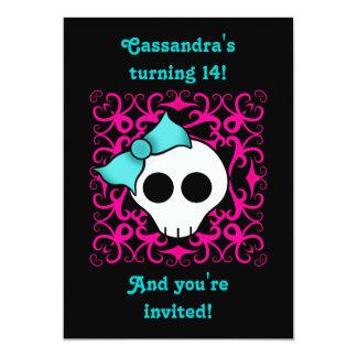 """Fiesta de cumpleaños gótica linda del cráneo para invitación 5"""" x 7"""""""