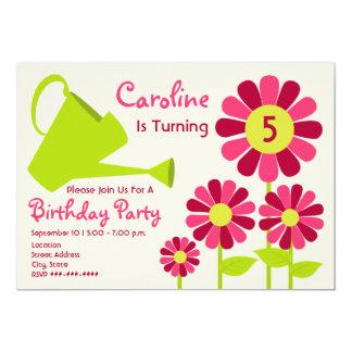 """Fiesta de cumpleaños - jardín de flores y regadera invitación 5"""" x 7"""""""
