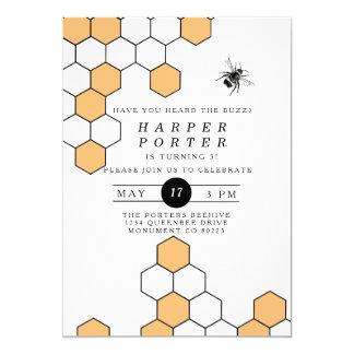 """Fiesta de cumpleaños moderna del abejorro del invitación 5"""" x 7"""""""