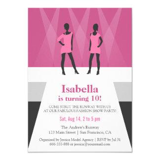 """Fiesta de cumpleaños moderna del desfile de moda invitación 4.5"""" x 6.25"""""""