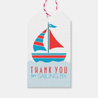 Fiesta de cumpleaños náutica del velero azul y etiquetas para regalos