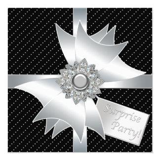 Fiesta de cumpleaños negra elegante de la sorpresa invitación 13,3 cm x 13,3cm