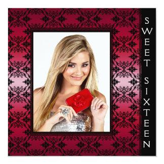 """Fiesta de cumpleaños negra roja del dulce 16 de la invitación 5.25"""" x 5.25"""""""
