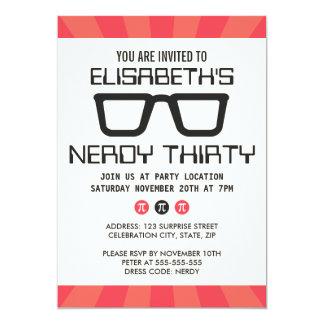 Fiesta de cumpleaños Nerdy treinta con los vidrios Invitación 12,7 X 17,8 Cm