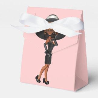 Fiesta de cumpleaños preferida de la diva de la caja para regalos