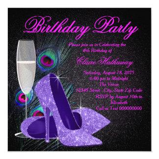 """Fiesta de cumpleaños púrpura del pavo real de la invitación 5.25"""" x 5.25"""""""