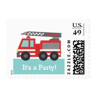 Fiesta de cumpleaños roja del coche de bomberos timbre postal