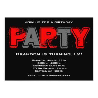 """Fiesta de cumpleaños roja y gris del Grunge Invitación 5"""" X 7"""""""