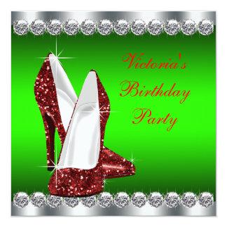 Fiesta de cumpleaños roja y verde de rubíes del invitación 13,3 cm x 13,3cm