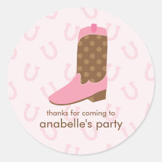 Fiesta de cumpleaños rosada de la bota de la pegatina redonda