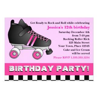 Fiesta de cumpleaños rosada del patín de ruedas comunicado