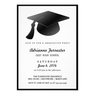 """Fiesta de graduación moderna del gorra negro de la invitación 5"""" x 7"""""""