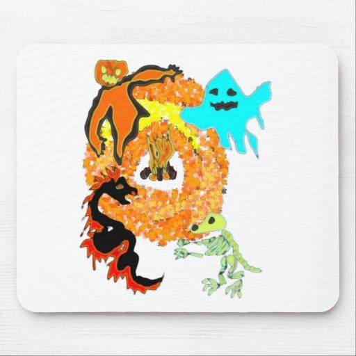 Fiesta de Halloween: monstruos alrededor del fuego Tapete De Ratones
