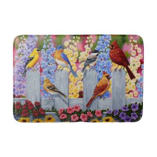 Fiesta de jardín colorida de los pájaros de la