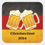 Fiesta de la cerveza de Oktoberfest - equipo de co Calcomanías Cuadradases
