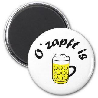 Fiesta de la cerveza O saca del tonel is Imanes De Nevera