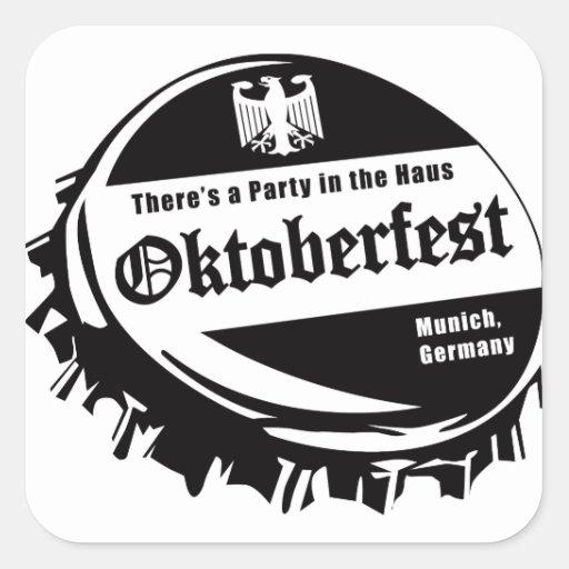 Fiesta de Oktoberfest en el Haus Calcomanías Cuadradass Personalizadas