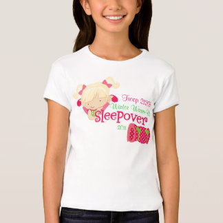 Fiesta de pijamas del chica playera