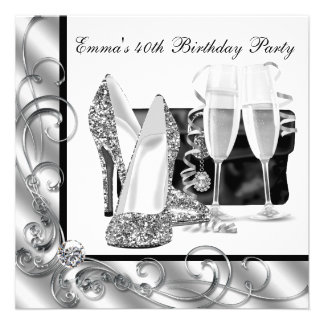 Fiesta del cumpleaños blanco y negro de la mujer